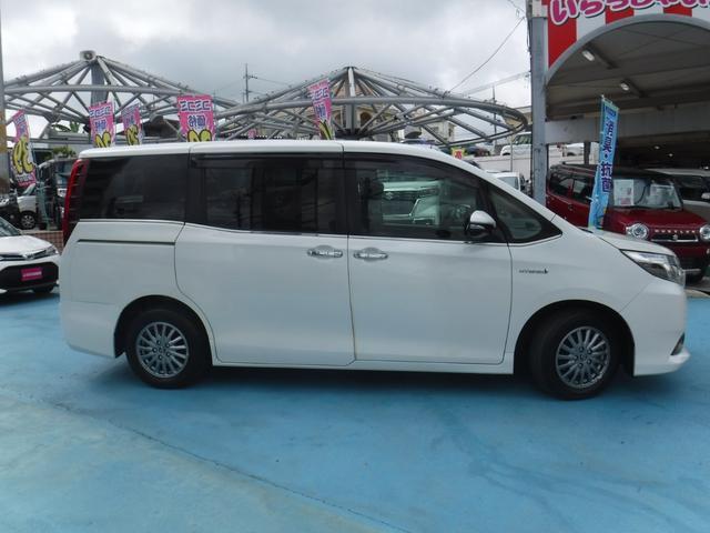 「トヨタ」「エスクァイア」「ミニバン・ワンボックス」「沖縄県」の中古車9