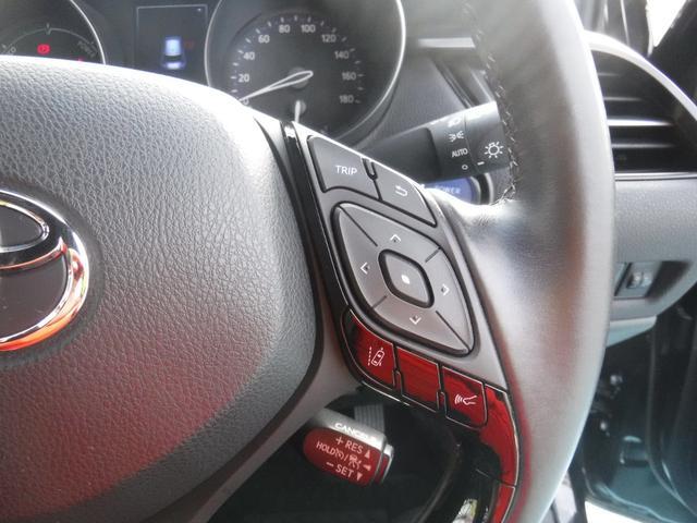 「トヨタ」「C-HR」「SUV・クロカン」「沖縄県」の中古車22