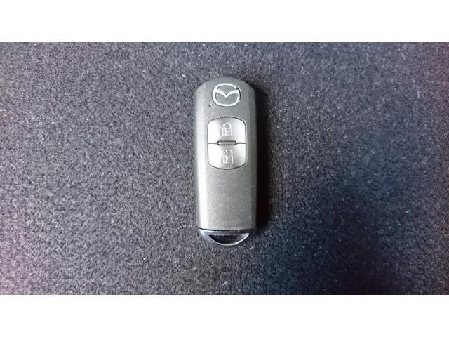 アドバンストキーを携帯しているだけで、すべてのドアとリアゲートの施錠開錠が簡単に行えます!