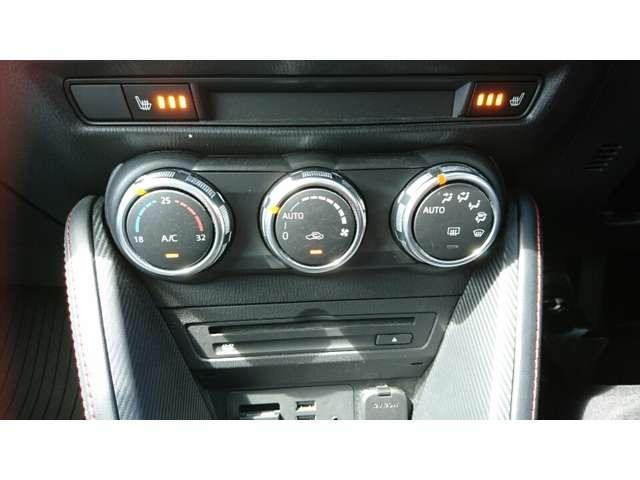 CD/DVDプレーヤー装備!運転席&助手席にはシートヒター付!座面と背もたれを素早く温めます!