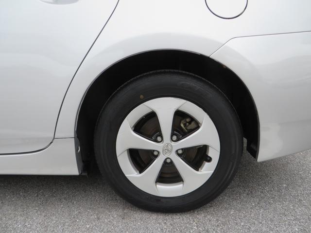リア:純正15インチアルミホイール付き!新品タイヤ4本交換します。
