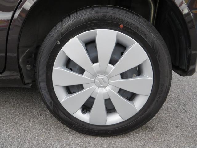 リア:純正14インチホイール、タイヤは新車時から7千kmしか走ってないので4本ともにバリ山です。