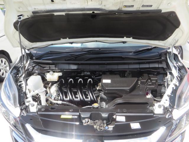 ボンネットOPEN! 安心・修復歴なしエンジンルームです、走行まずまず少ない5.5万km、車検2ヶ年付き、サビ止め施工付きです。