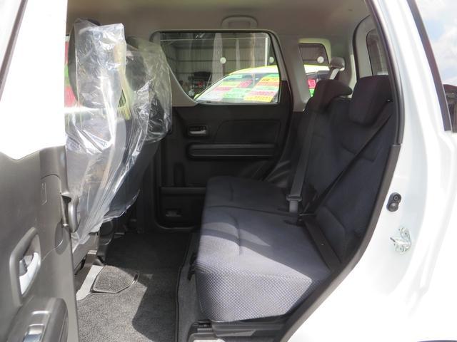 助手席側、リアシート、前後スライド&リクライニング&フルフラットにもできます、全席抗菌・消臭クリーニング仕上げ。