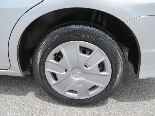 リア:純正15インチホイールに新品タイヤ4本交換します。