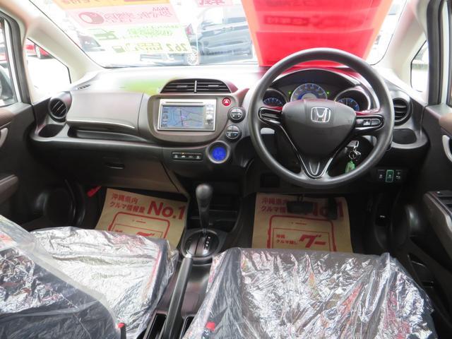 運転席ビュー、ナビ・CD・USB・ETC付き