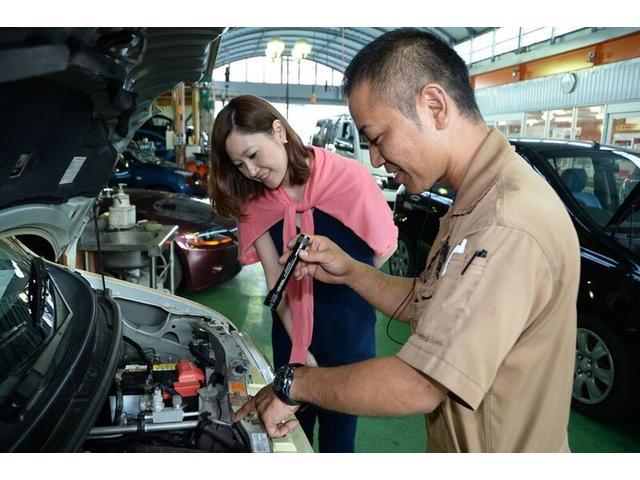 全車保証付きですが、車は買った後が一番大事だと考え、買った後のもしもの故障や修理、スタッフ全員で取り組みます!と宣言致します、ぜひ当社でお任せ下さい。