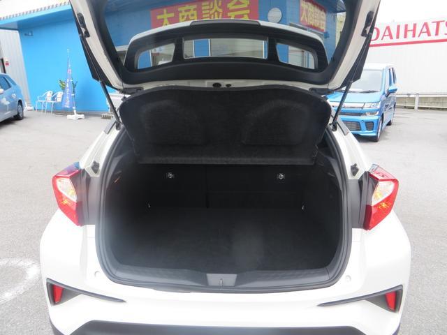 「トヨタ」「C-HR」「SUV・クロカン」「沖縄県」の中古車13