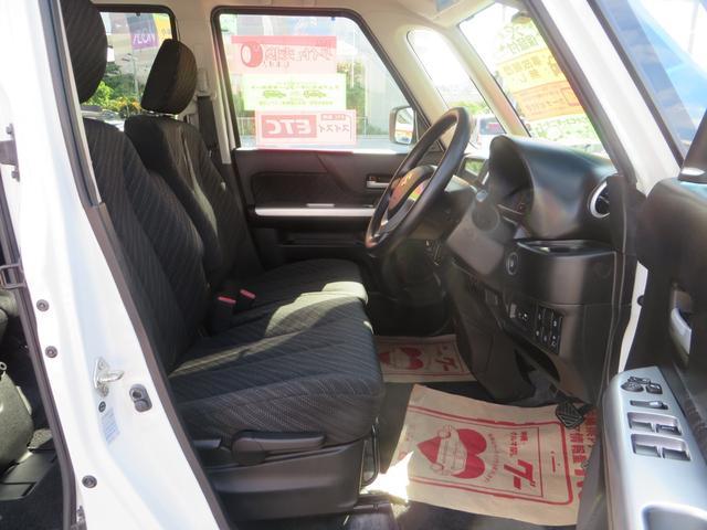 運転席シートより、座面の高さ調整できるシートリフター付きで便利です。