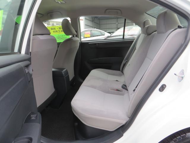 助手席後ろ、リアシート、全席抗菌・消臭クリーニング仕上げ。