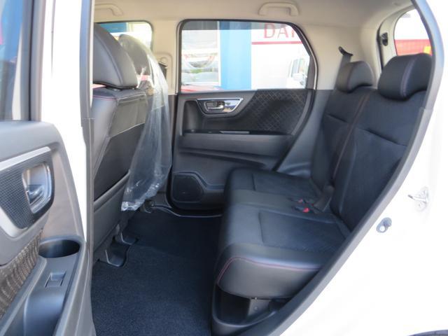G・Lパッケージ レーダーブレーキサポート搭載 レザーハーフシート ナビ・フルセグTV・CD・DVD・ブルートゥース・バックカメラ オートクルーズ HIDヘッドライト オートライト(12枚目)