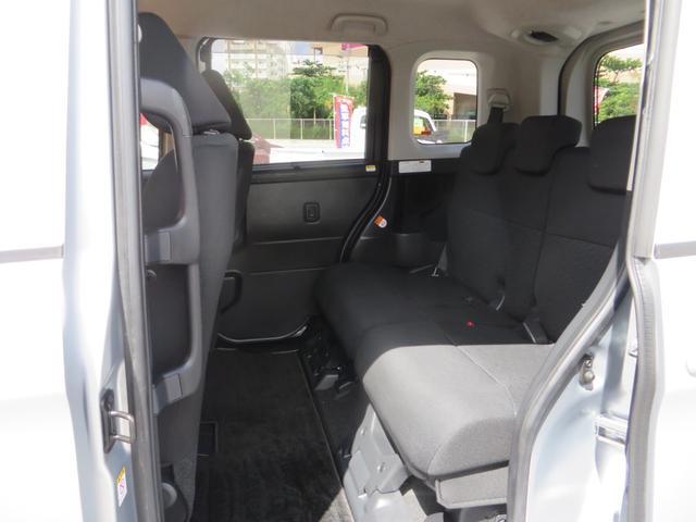 助手席より後ろリアシート、前後スライド&リクライニング&フルフラットにできます、全席抗菌・消臭クリーニング仕上げ。