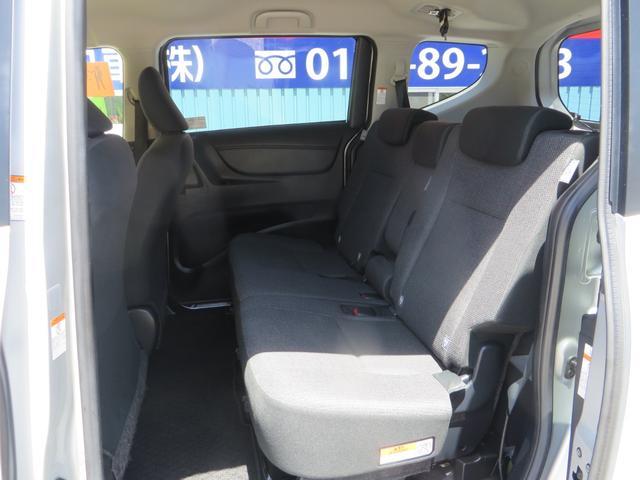 助手席より、後ろリアシートは前後スライド&リクライニング&フルフラット化し荷室モードにもできます。