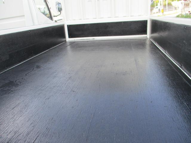 1.5トン低床(4枚目)