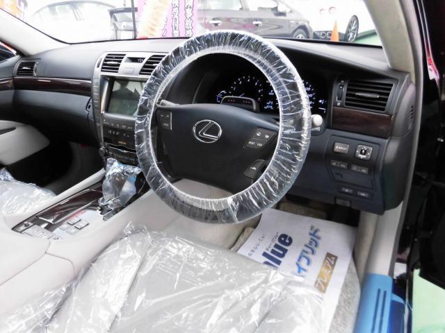 5.0 LS600hL後席セパレートシートパッケージ(3枚目)