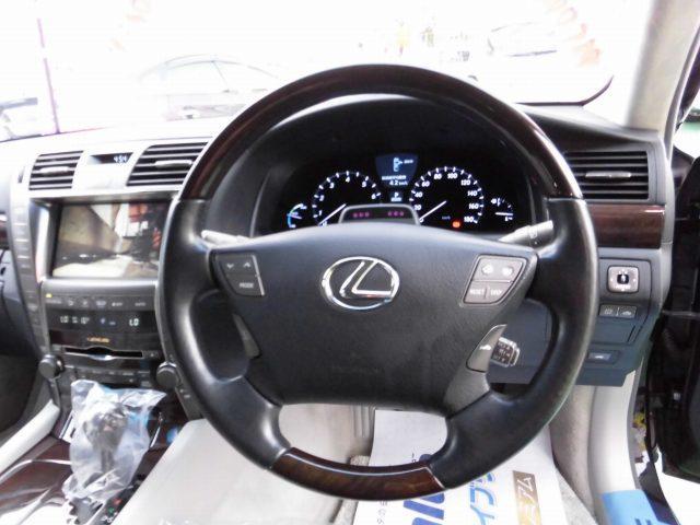 5.0 LS600hL後席セパレートシートパッケージ(4枚目)