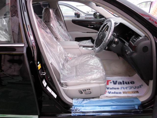 5.0 LS600hL後席セパレートシートパッケージ(5枚目)