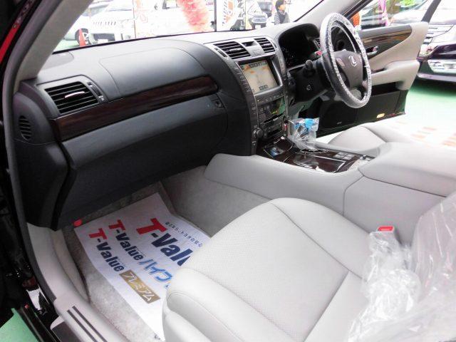 5.0 LS600hL後席セパレートシートパッケージ(10枚目)