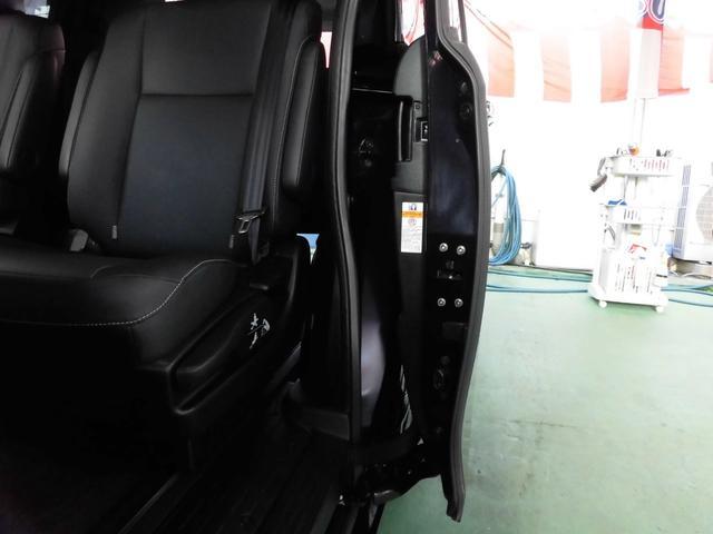 「トヨタ」「エスクァイア」「ミニバン・ワンボックス」「沖縄県」の中古車53