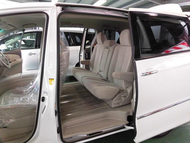 「トヨタ」「エスティマ」「ミニバン・ワンボックス」「沖縄県」の中古車32