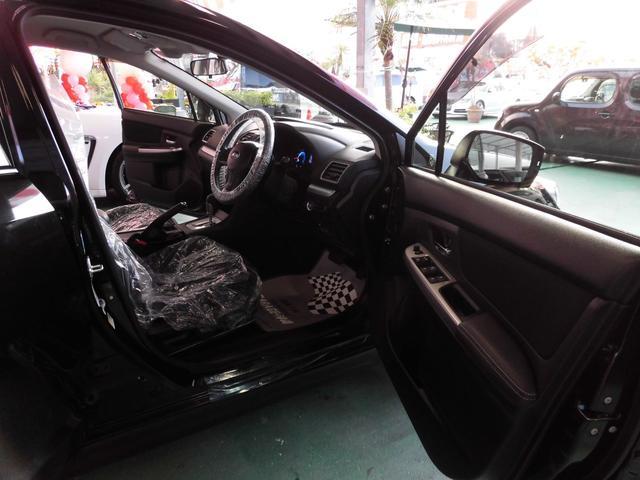 「スバル」「XVハイブリッド」「SUV・クロカン」「沖縄県」の中古車11