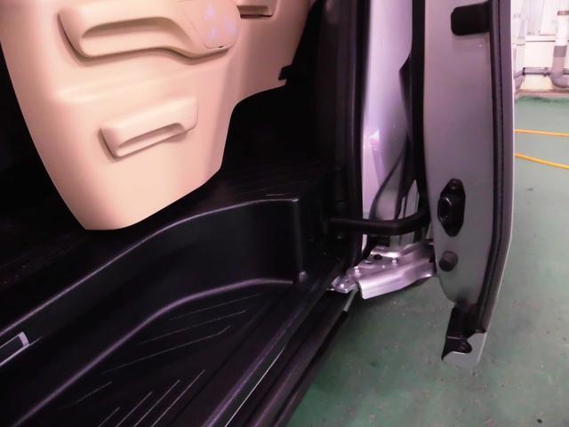 2.5V 純正ナビ&フルセグ・リアフリップモニター・LEDライト・バックカメラ・ツインパワードア(40枚目)