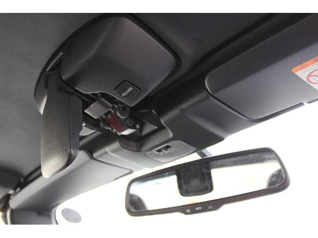 【電動ルーフ付き】 スイッチひとつでオープンカーにできます。