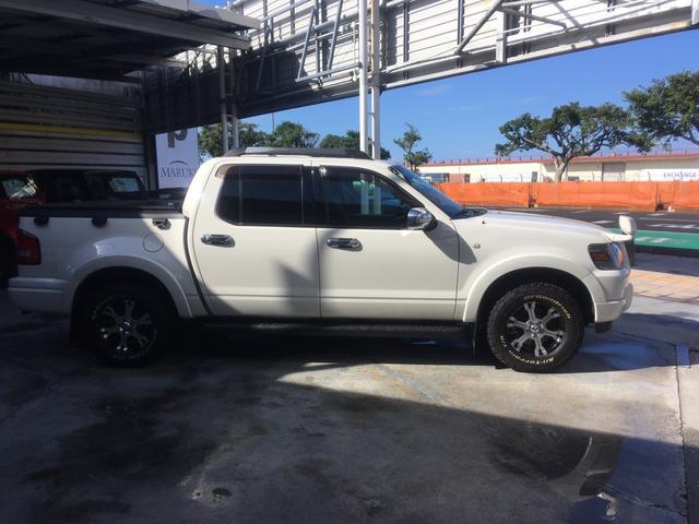 「フォード」「フォード エクスプローラースポーツトラック」「SUV・クロカン」「沖縄県」の中古車3