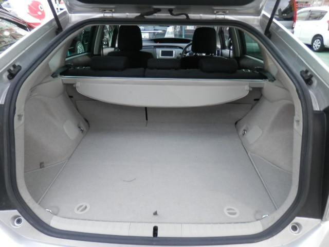 トヨタ プリウス S LEDエディション