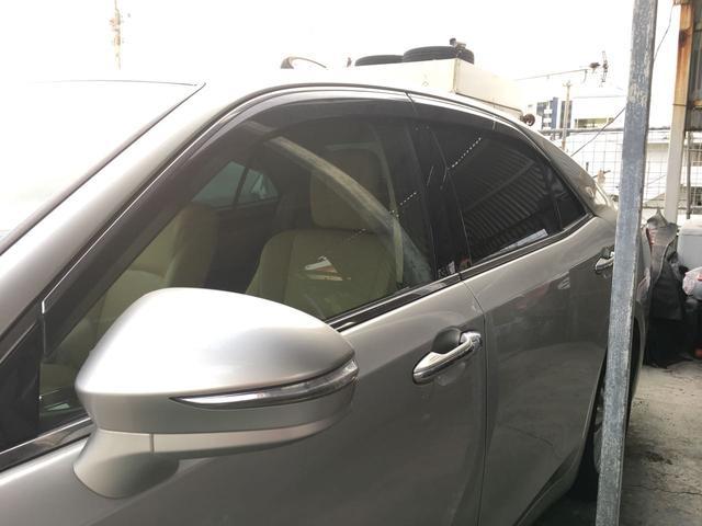 トヨタ クラウンハイブリッド ロイヤルサルーン 本革シート バックモニター