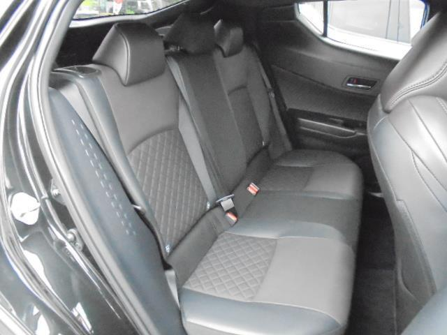 革調でかっこいい座席でドライブもきっと楽しくなります(^^♪
