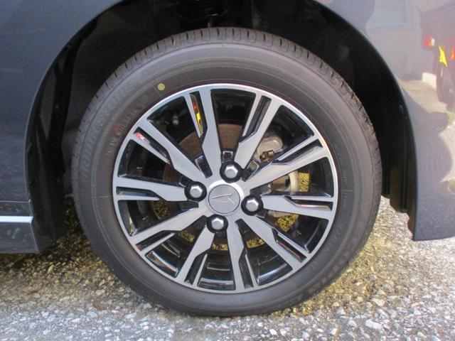 弊社の在庫は登録済未使用車等の高年式車・好条件車輛が多いです。外装が綺麗な車を買ったのに1年後には塗装が色褪せたり雨だれ等で汚れが目立つのって嫌ですよね?弊社ではコーティング施工をお勧め致します。