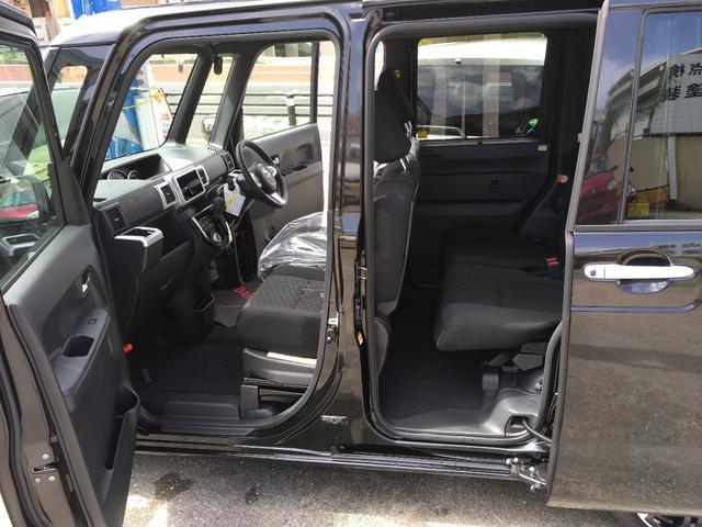 自動でスライドドアが開いてくれるので快適♪運転席で開閉操作もできるのでめちゃくちゃ便利!!