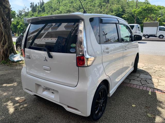 Mアイドリングストップ タッチパネルエアコン 本土無事故車(4枚目)