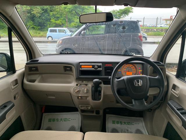 シートクリーナーで内装シートがとてもきれいになっております。清潔感もございます!