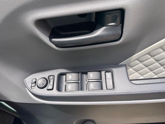 Xセレクション スマートキー プッシュスタート 電動パワースライドドア 安全装備スマートアシスト 衝突被害軽減ブレーキ シートヒーター 届出済未使用車(11枚目)