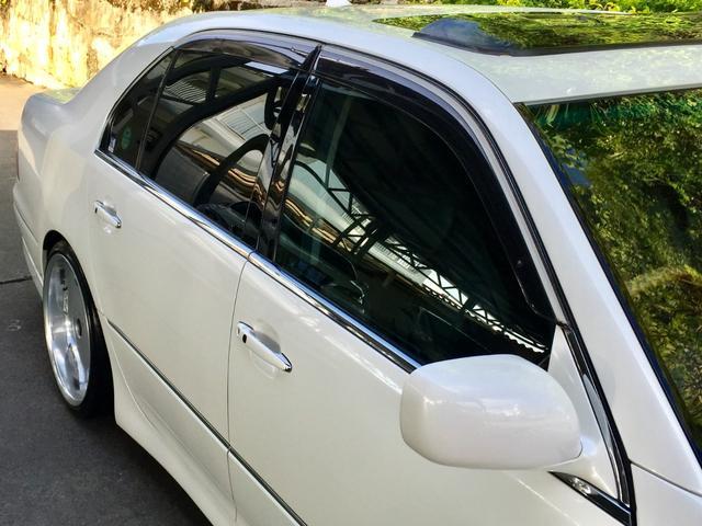 eR仕様 フルエアロ・19インチ深リムアルミホイール・サンルーフ付き・革張りシート・車高調(8枚目)