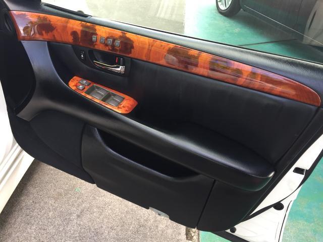 eR仕様 フルエアロ・19インチ深リムアルミホイール・サンルーフ付き・革張りシート・車高調(21枚目)