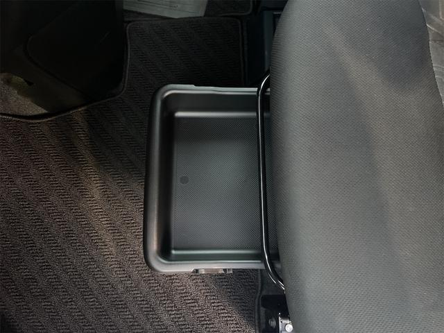 カスタムG-T 2年保証 純正フルセグTVナビ アラウンドビューモニター コーナーセンサー 両側パワースライドドア レーダーブレーキサポート 車線逸脱装置 クルーズコントロール オートライト オートリトラクタブルミラ(6枚目)