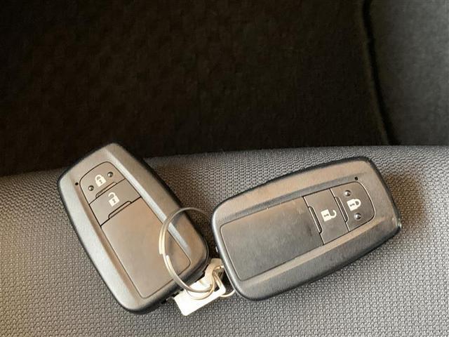 スマートキー2個 【スマートキー】とは、キーをポケットやバッグに入れたまま車の解錠/施錠、エンジンのON/OFFが行えるキーのことです。