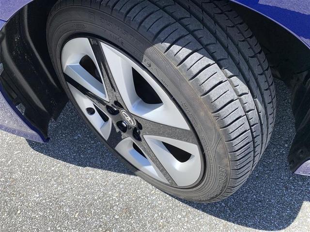純正アルミホイール・タイヤサイズ・215/45R17 91W