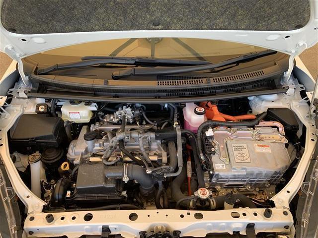 排気量1.5L ハイブリッド・エンジンルーム