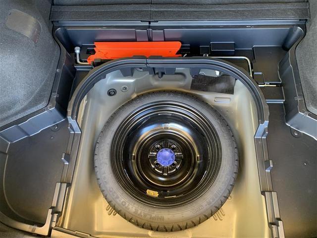 応急タイヤ・車載工具装備してます。
