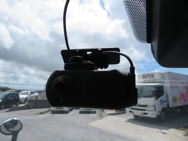 GL フルセグ DVD再生 後席モニター バックカメラ ETC 電動スライドドア 乗車定員10人 3列シート 記録簿(18枚目)
