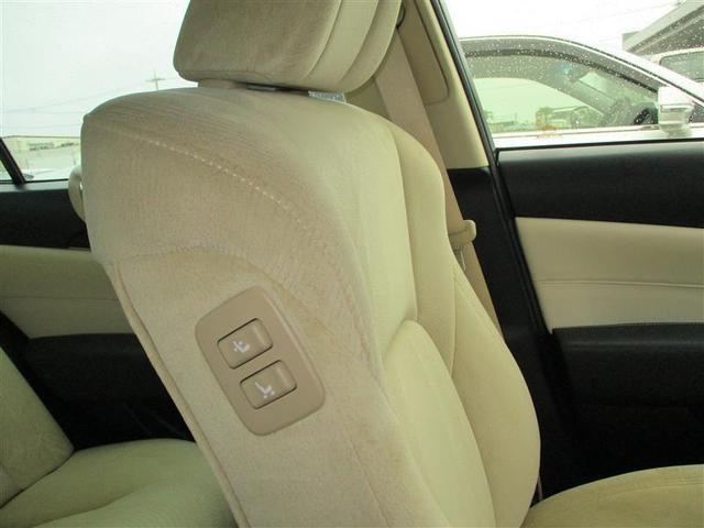 助手席操作ボタン運転者や後部座席の方がシートを操作出来ます