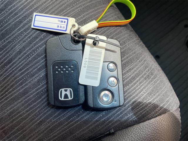 ハイブリッド プレミアムエディション 両側パワースライドドア 純正9インチナビ・フルセグTV・DVD・Bluetooth・バックカメラ(25枚目)