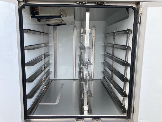 KCエアコン・パワステ ★本土仕入★ 冷蔵冷凍車 ドライブレコーダー付き 温度設定25度から-5度まで 加熱温度65度 アンダーコート済(11枚目)