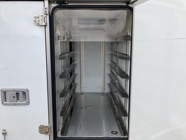 KCエアコン・パワステ ★本土仕入★ 冷蔵冷凍車 ドライブレコーダー付き 温度設定25度から-5度まで 加熱温度65度 アンダーコート済(12枚目)