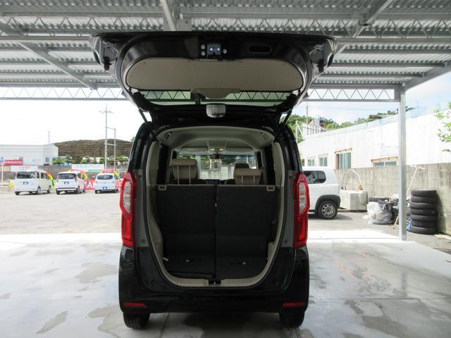 幅広、低い床面で大きな荷物の出し入れが簡単になります!日々のショッピング、レジャーなど、いつもの生活がもっと楽しく!(*^^)v
