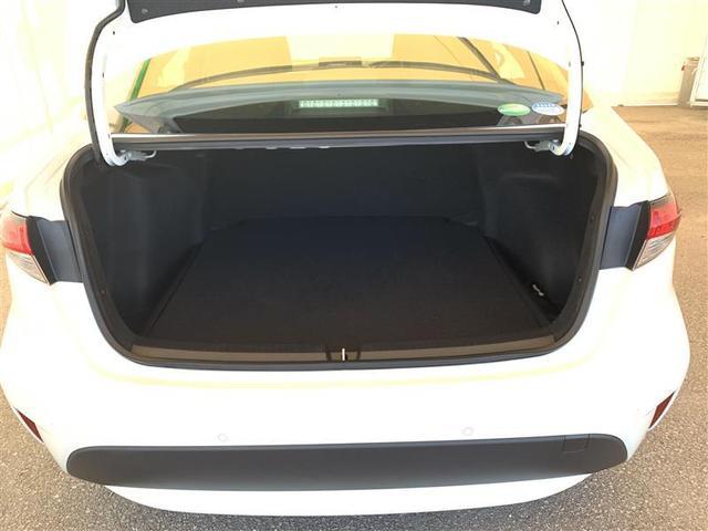 トランクは 開口部も大きく、荷物の出し入れも便利です。